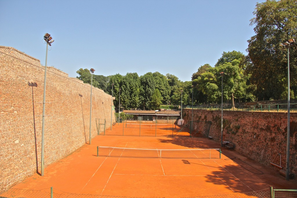 clay-tennis-courts