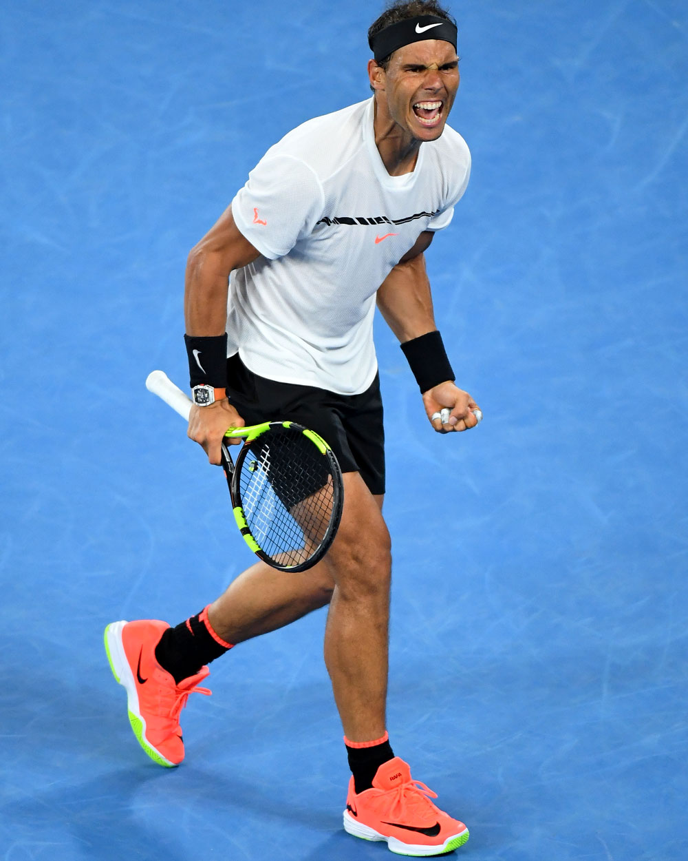 new product 09f5d 2240d Nadal has tried new racquets earlier this year (rumoured to be the HEAD MxG  3 ...