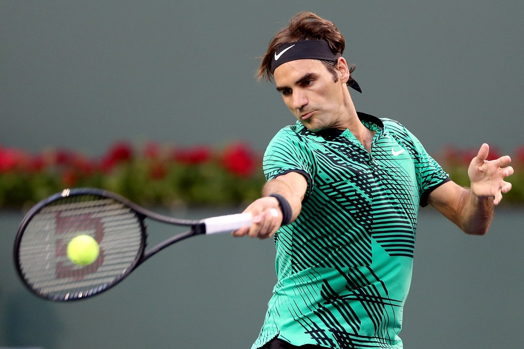 Will Roger Federer sign with Uniqlo?
