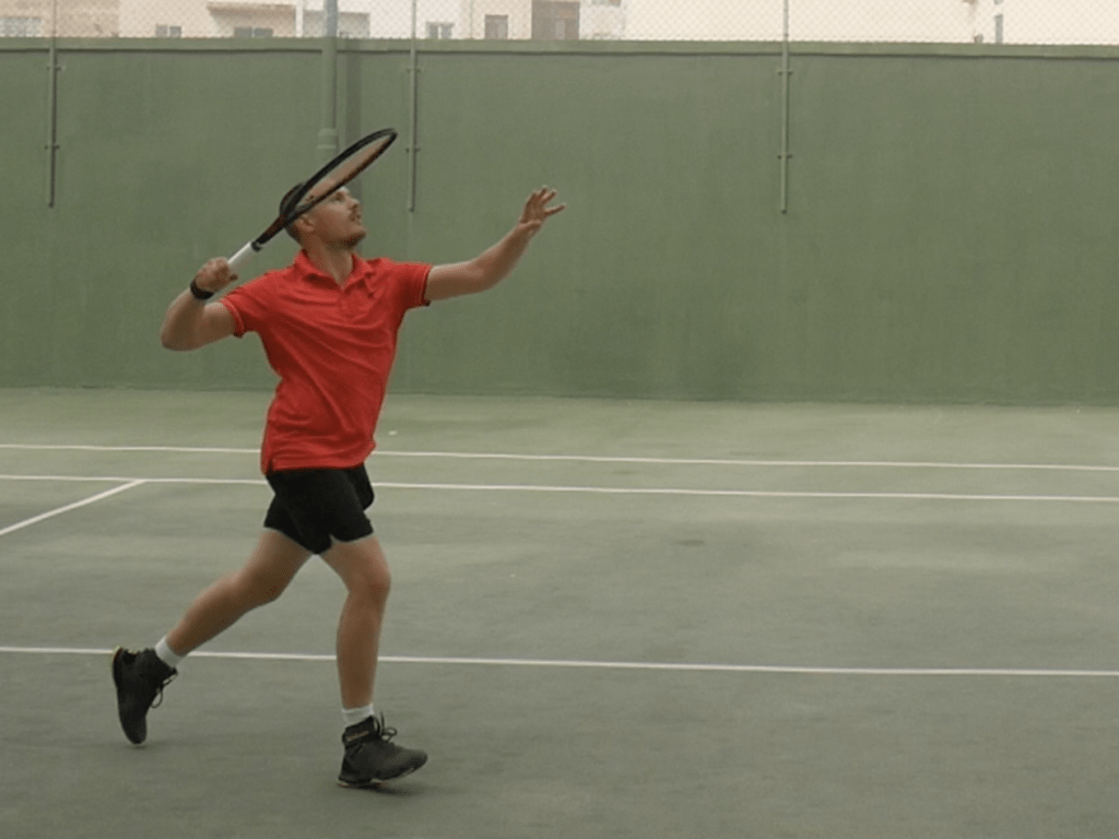 How to demo a tennis racquet