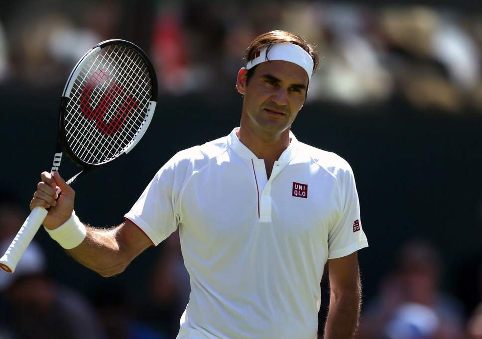 Roger Federer switches to Uniqlo
