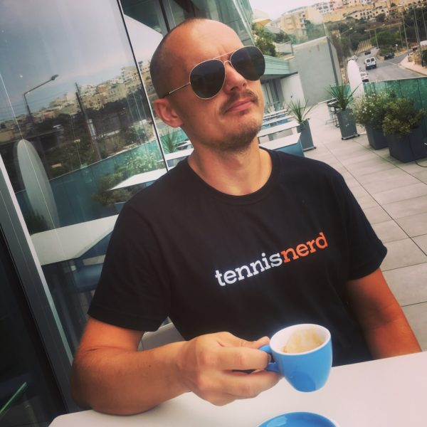 Support Tennisnerd and get a t-shirt
