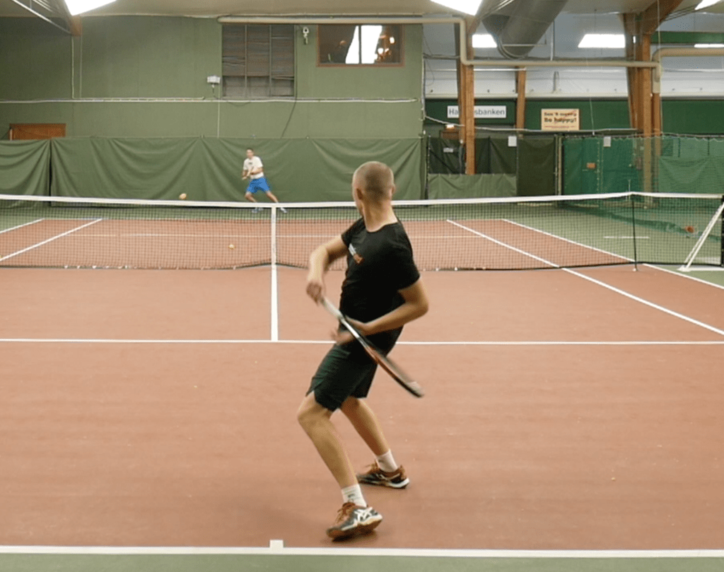 Dunlop Srixon CX 200 Tour 16x19 Racquet Review - Performance